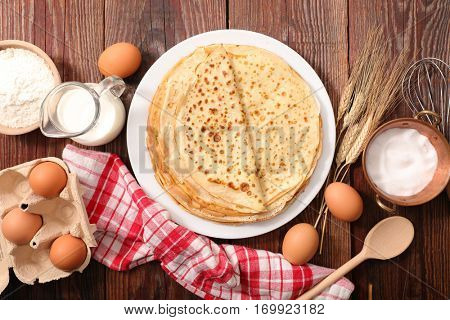 crepe with ingredients