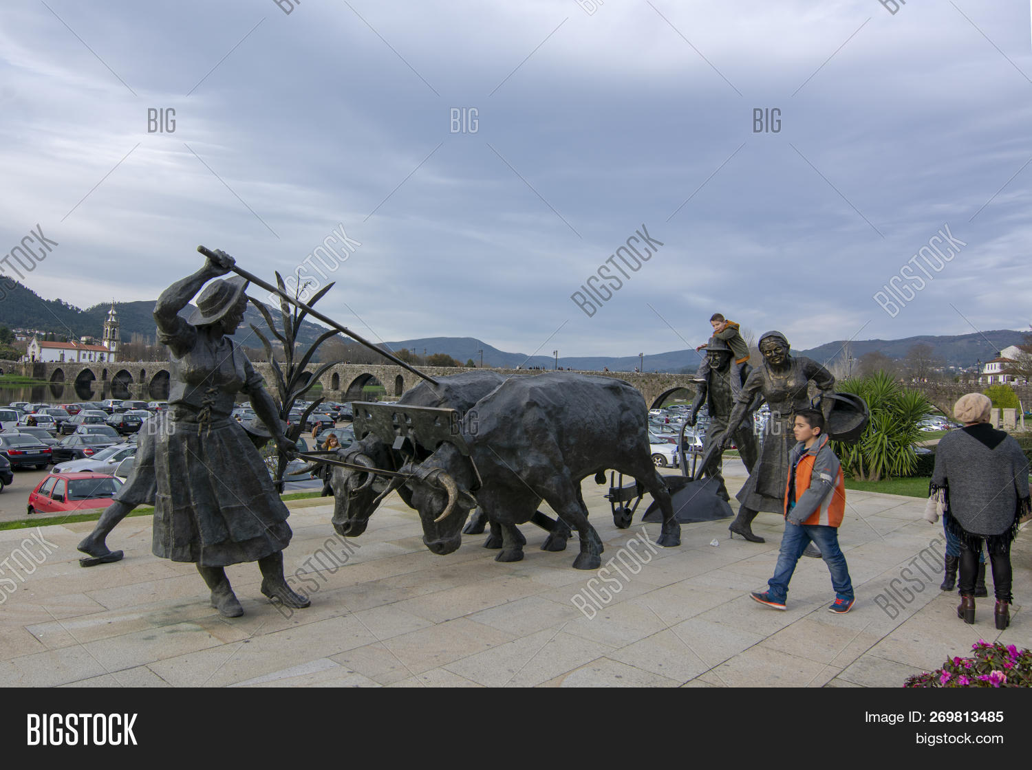 Bronze Statues Image & Photo (Free Trial) | Bigstock