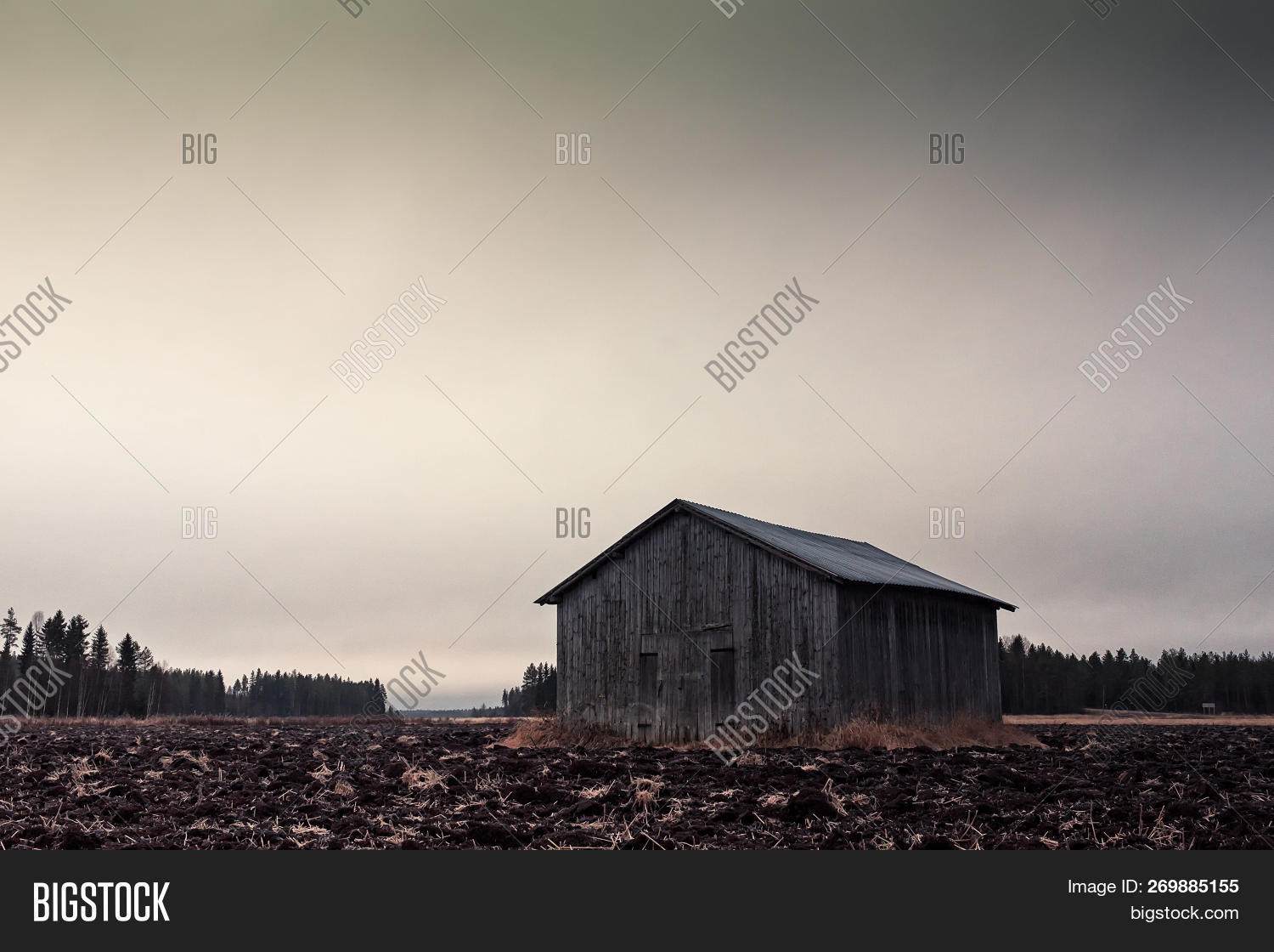 Small Barn House Image Photo Free Trial Bigstock