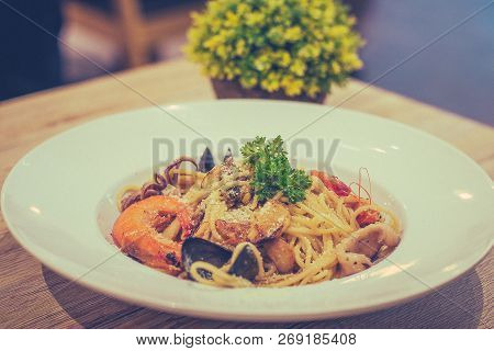 Mixed Seafood Aglio With Prawn Squid Mussel Mushroom
