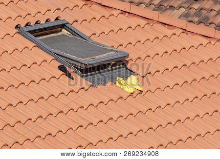 Outdoor Shoe Rack . Original Shoe Rack Above A Roof