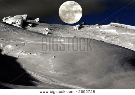 Elkhorn Moon