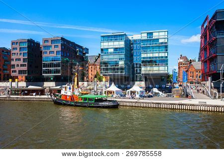 Hamburg, Germany - July 07, 2018: Canal In The Hafencity District Of Hamburg City Centre In Germany