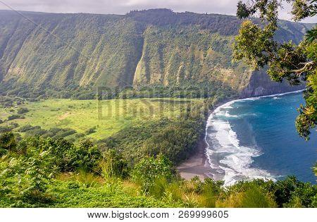 Stunning View From Waipio Valley Lookout, Big Island, Hawaii: Waipio Valley Is Popular For Hiking In