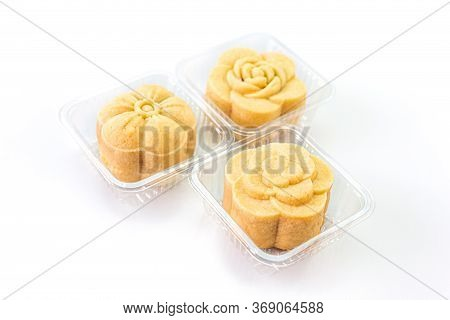 Three Piece Of Delicious Pineapple Bread Of Flower Shaped In The Clear Box. Selective Focus.