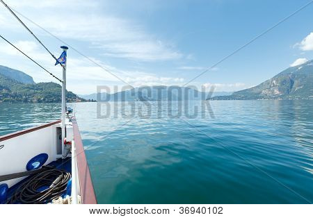 Het Comomeer (Italië) weergave van schip
