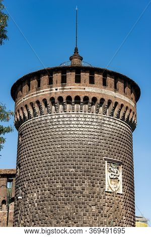 Castello Sforzesco, Torrione Di Santo Spirito. Sforza Castle (xv Century), Close-up Of The Tower Of