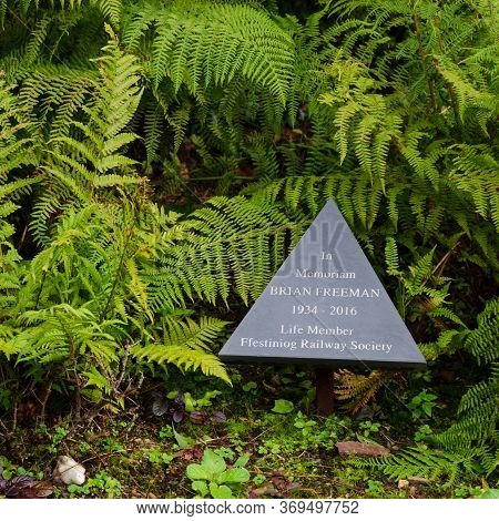 Blaenau Ffestiniog, North Wales, Uk: Sep 14, 2017: A Triangular Slate Memorial Plaque Is Dedicated T
