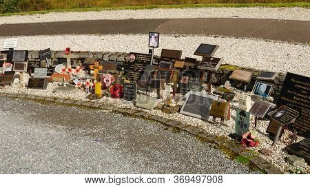 Lochaber, Scotland, Uk: Sep 22, 2017: A Selection Of Personal Memorials At The Side Of The Commando