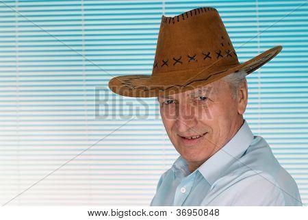 Elderly man in a cowboy hat