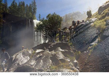Yosemite Park Natural, Ca, Usa-june 14, 2017: Tourists Flock To Lower Yosemite Falls In Yosemite Nat
