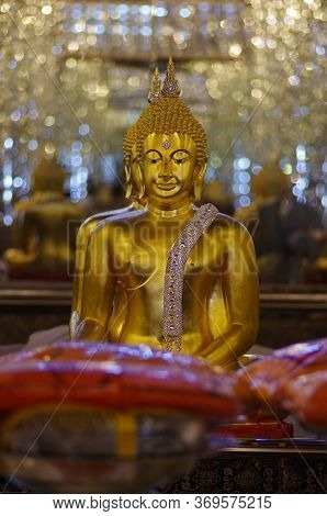 Uthai Thani Province, Thailand - August, 2016: Golden Buddha Statue At Cathedral Glass, Wat Tha Sung