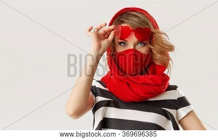 Woman In Trendy Fashion Outfit During Quarantine Of Coronavirus Outbreak. Model In Protective Stylis