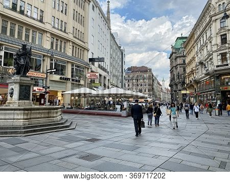 Vienna, Austria - June 3, 2020: People Walking Through The Shopping And Historic Street Am Graben In