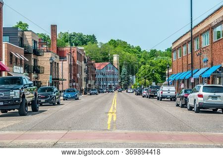 Stillwater, Minnesota/usa-06/03/19  Street View Of The Downtown Stores And Restaurants In Historic B