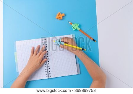 Preschool Accessories, Two-finger Grip Baby Writing Tool And School Items, Top View