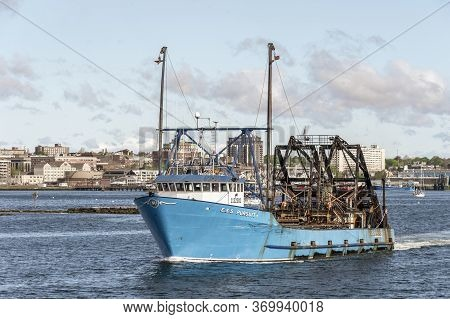 New Bedford, Massachusetts, Usa - June 4, 2020: Commercial Fishing Boat E.s.s. Pursuit Going Fishing