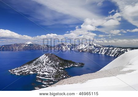 A beautiful view of crater lake with wizard island