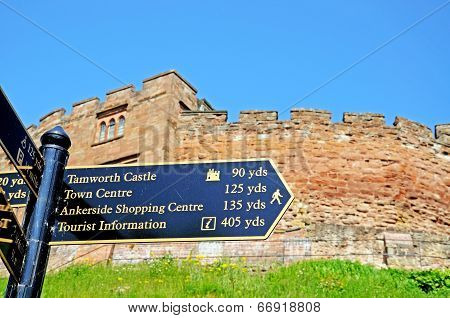 Castle and signpost, Tamworth.