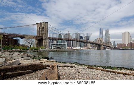 Brooklyn Bridge and Lower Manhattan from Dumbo Beach.