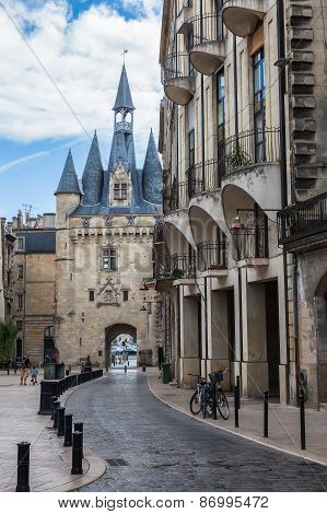 Porte Cailhau In Bordeaux, France