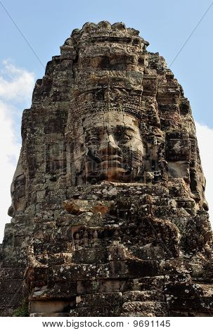 the bayon temple in angkor wat