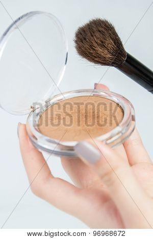 Make up bronzer and contouring brush