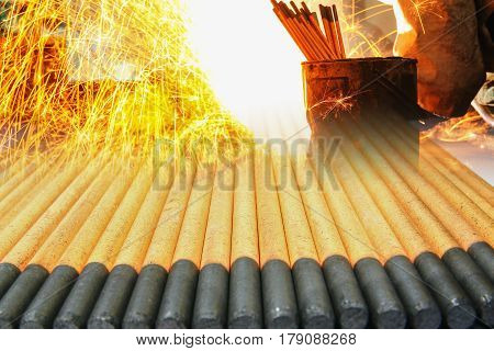 Gouging carbon electrode rodsUsed in industrial metal steel with sparks