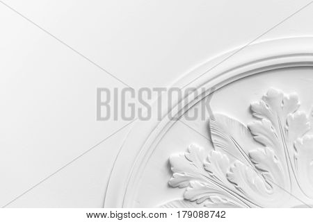 Round Decorative Clay Stucco Relief Molding