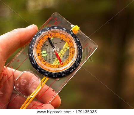 A necessary accessory for lovers of hiking and recreation in the wild this device will always show the direction