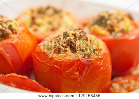 Stuffed tomatoes preparation : Just baked stuffed tomatoes
