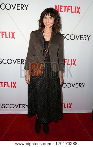LOS ANGELES - MAR 29:  Mary Steenburgen at the Premiere Of Netflix's