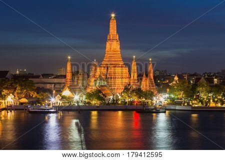Twilight night light reflection Arun temple Thailand landmark