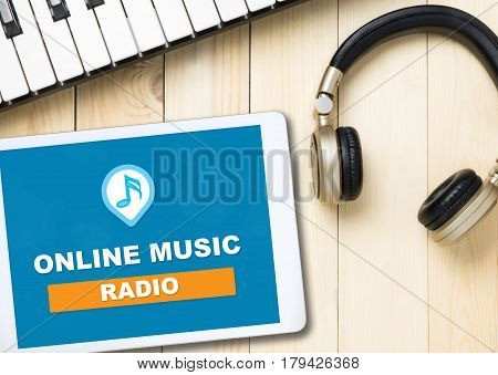 Online Music radion button on table screen