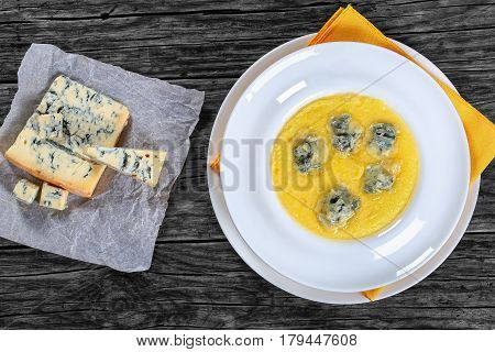 Creamy Thick Polenta With Melted Gorgonzola