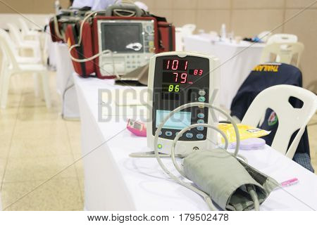 Blood pressure meter Pulse gauge Medical treatment
