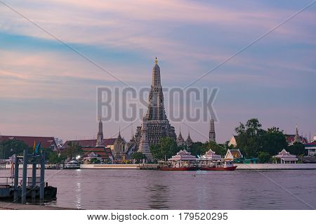 Wat Arun, Or Temple Of Dawn At Sunrise