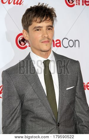 LAS VEGAS - MAR 30:  Brenton Thwaites at the CinemaCon 2017 - The CinemaCon Big Screen Achievement Awards at the Caesars Palace on March 30, 2017 in Las Vegas, NV