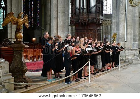 Reims France - july 25 2016 : Canadian choral in the Notre Dame cathedral