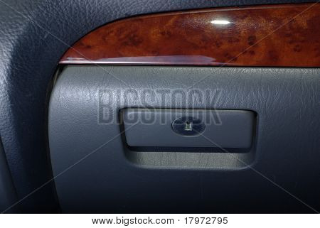 Car jockey box