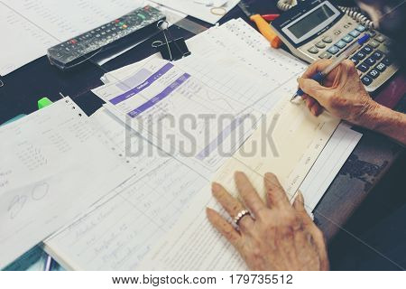 Business concept businesswoman writing cheque ( text saying list of products and total amount )