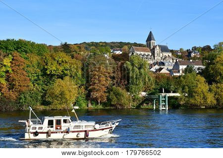 Triel sur Seine France - october 31 2016 : the Seine riverside
