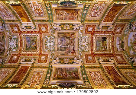 ROME - SEPTEMBER 30, 2012: Ceiling in hall in the Vatican museum, Rome.