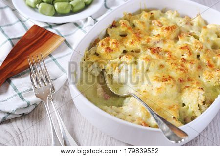 Cauliflower gratin with bechamel sauce with parsley butter