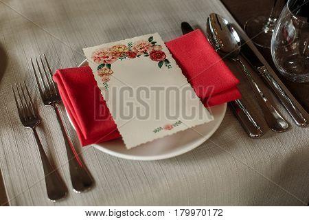 Elegant Wedding Menub Reception Catering, Luxury Table Arrangement - Floral Greeting Card On Red Nap