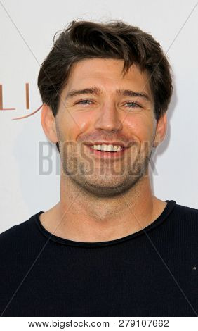Bo Roberts attends the premiere for