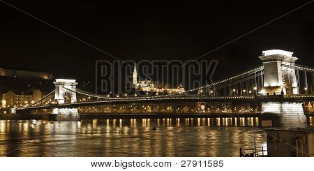 Lanchid Or Chain Bridge Across The Danube