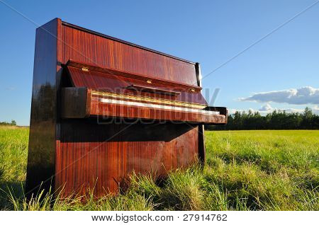 The Piano Outdoors.