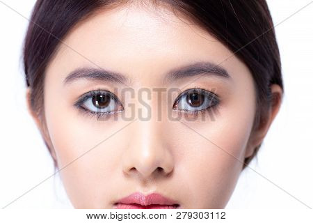 Closeup Shot Of Woman Eye Looking To Camera. Woman With Beauty Concept, Isolated On White Background