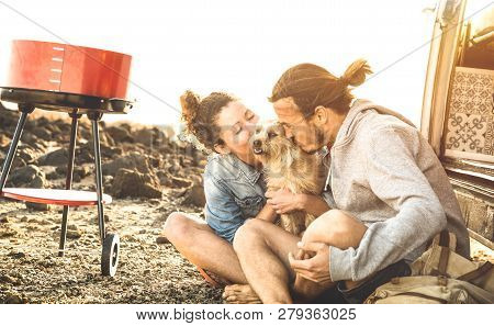 Hipster Couple And Cute Dog Relaxing By Travel On Oldtimer Mini Van Transport - Wander Lifestyle Con